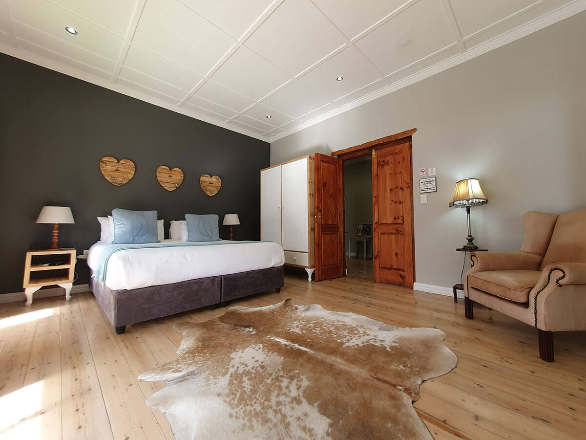 Two Fat Owls Guest House Luxury Accommodation in George
